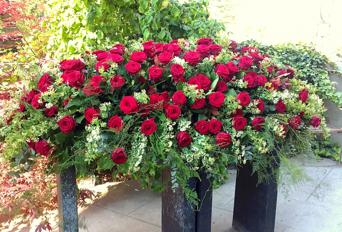 Funeral floral arrangements and funeral floral art burial or rue solutioingenieria Image collections